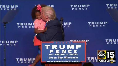 Donald Trump ten to vi hon truot be gai da mau - Anh 1