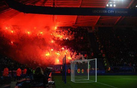 Leicester gap hoa vi phao sang cua CDV - Anh 1