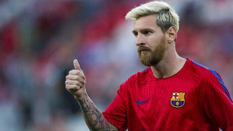 Diem tin sang 19/10: Messi quan trong voi tat ca, M.U van con cua vo dich, Rooney benh vuc Pogba - Anh 1