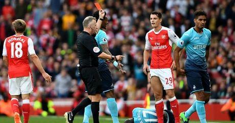 Doi hinh te nhat vong 8 Premier League: Lai la Pogba - Anh 2