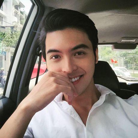 Danh tinh 'hot boy ban banh' khien Chi Pu cung thon thuc - Anh 3
