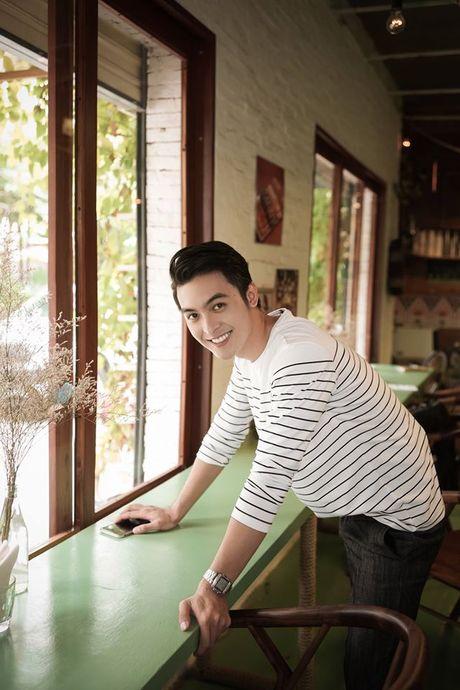Danh tinh 'hot boy ban banh' khien Chi Pu cung thon thuc - Anh 8
