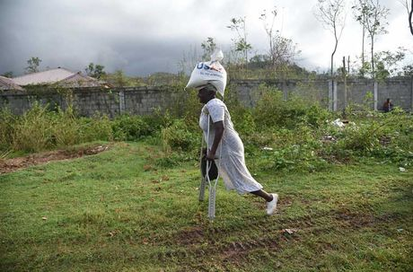 Khung hoang nhan dao o Haiti sau sieu bao Matthew - Anh 11