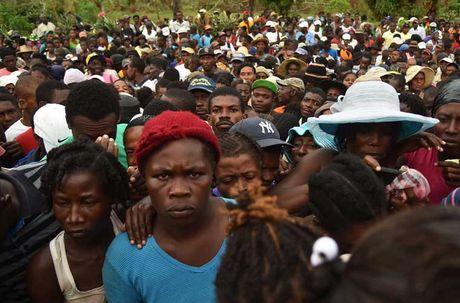 Khung hoang nhan dao o Haiti sau sieu bao Matthew - Anh 1