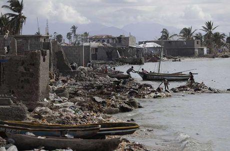 Khung hoang nhan dao o Haiti sau sieu bao Matthew - Anh 2