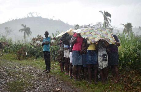 Khung hoang nhan dao o Haiti sau sieu bao Matthew - Anh 4