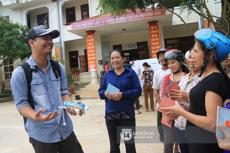 Nghe si Viet huy show, bo viec rieng de huong ve mien Trung - Anh 1