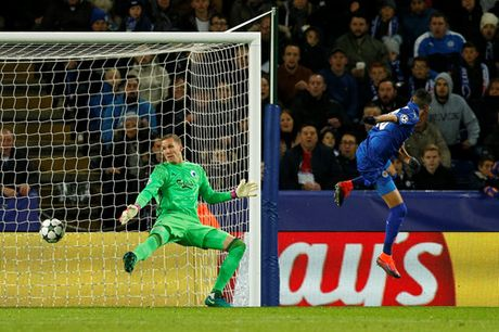 Leicester duy tri mach toan thang o Champions League - Anh 2