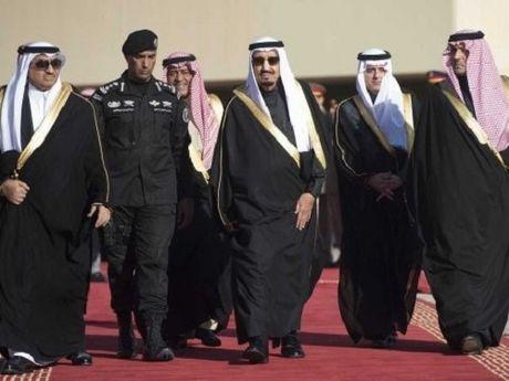 Saudi Arabia tu hinh mot hoang tu vi ban chet nguoi - Anh 1