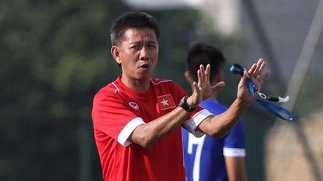 HLV Hoang Anh Tuan tung chieu doc voi U19 Viet Nam truoc khi gap U19 Iraq - Anh 1