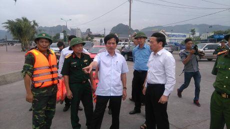 Bao so 7 do bo vao Quang Ninh luc 13h hom nay (19/10) - Anh 1