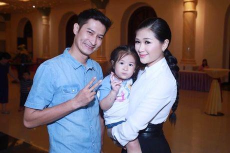 Dien vien Huy Khanh lan dau trai long ve cuoc song hon nhan voi A hau - Anh 1
