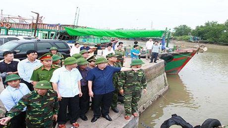 Ngay hom nay bao so 7 do bo dat lien Quang Ninh - Anh 2