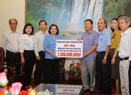 TP. Ho Chi Minh ho tro nguoi dan vung lu tinh Thua Thien- Hue 1,5 ty dong - Anh 1