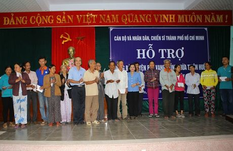TP. Ho Chi Minh ho tro nguoi dan vung lu tinh Thua Thien- Hue 1,5 ty dong - Anh 2