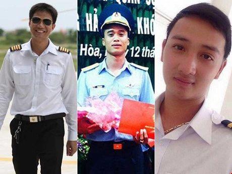 Da tim thay xac may bay truc thang roi o Vung Tau, 3 phi cong tu nan - Anh 1