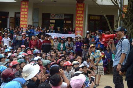 Dang sau nhung giot mo hoi cua MC Phan Anh khi ve voi Quang Binh - Anh 3