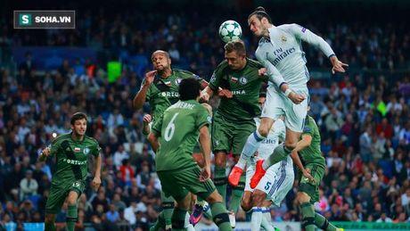 Ronaldo lo ky luc, Real van du suc 'diet gon' doi thu vo danh - Anh 3