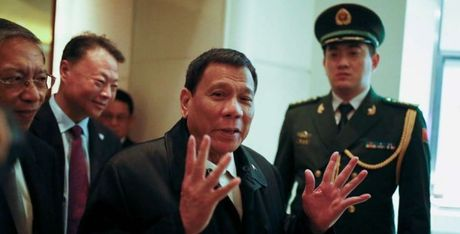 Tong thong Duterte: Bien Dong khong nam trong chuong trinh nghi su - Anh 1