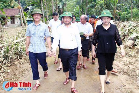 Chu tich Quoc hoi: Ha Tinh can tap trung khac phuc hau qua, som on dinh doi song nhan dan - Anh 4