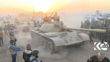Quan doi Iraq giai phong 9 ngoi lang o Mosul khoi IS - Anh 1