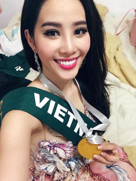 Giai thuong dau tien cua dai dien Viet Nam tai Miss Earth 2016 - Anh 1