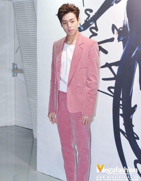 Suit hong - trang phuc quyen ru, thoi thuong cua cac oppa Han - Anh 7