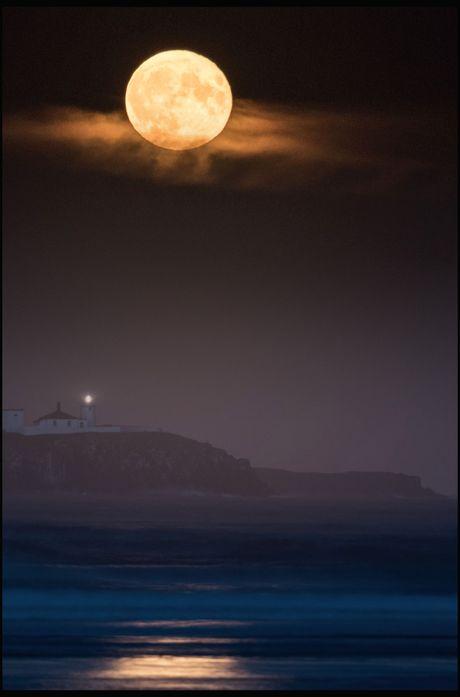 Chiem nguong 'Hunter's moon' roi sang bau troi the gioi - Anh 7