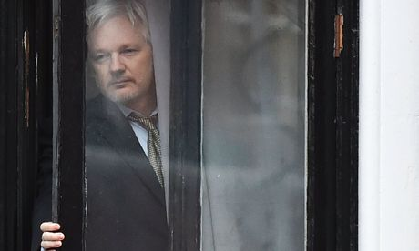 Can thiep bau cu My, nha sang lap WikiLeaks bi cat Internet - Anh 1
