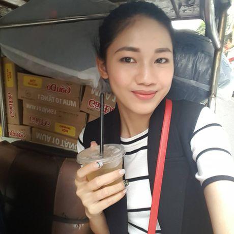 Hoa hau My Linh day dut vi chua the ve mien Trung cuu tro - Anh 3
