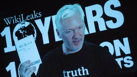Ong chu Wikileaks bi chan ket noi Internet - Anh 1