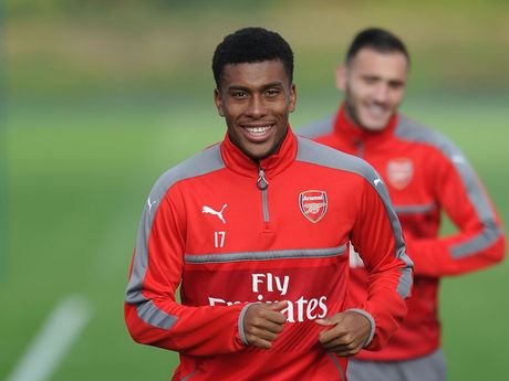 Doi hinh toi uu de Arsenal 'bat nat' Ludogorets - Anh 10