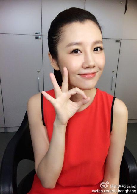 'Toat mo hoi' voi 6 chan dai gay xon xao khan dai - Anh 8