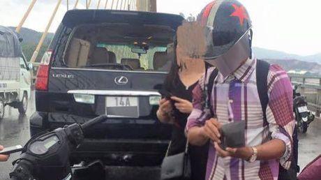 Tong vao Lexus GX470, nam thanh nien chay Exciter phai boi thuong 18,5 trieu Dong - Anh 1