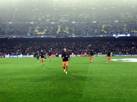 TRUC TIEP Barcelona 1-0 Manchester City: Leo Messi mo ti so - Anh 7