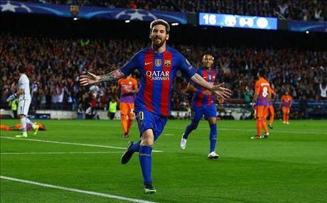 Messi di vao lich su voi cu hattrick vui dap Man City - Anh 1