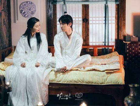 Ngoai Lee Jun Ki va IU, con 5 moi tinh cam dong trong' Moon Lovers' - Anh 6