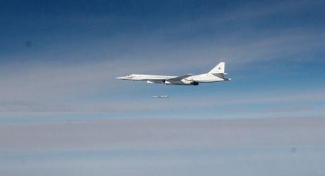 Chiến đấu cơ Nga và Mỹ suýt chạm trán nhau trên bầu trời Syria
