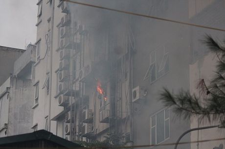 Quán karaoke bị cháy khiến 13 người chết : mới khai trương, không đủ điều kiện kinh doanh