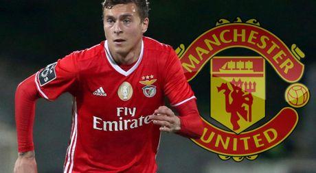 Nếu sở hữu Victor Lindelof, Manchester United sẽ làm gì với 5 trung vệ còn lại?