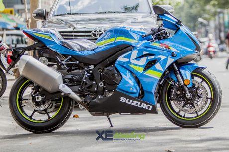 Suzuki GSX-R1000 2017 dau tien ve Viet Nam voi gia 26.200 USD - Anh 2