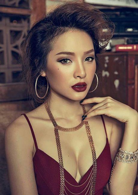 Vua gay tranh cai, Phuong Trinh Jolie lai 'day doi' chi em ve yeu? - Anh 1
