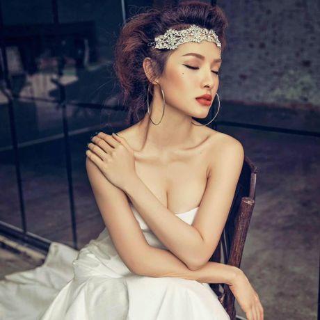 Vua gay tranh cai, Phuong Trinh Jolie lai 'day doi' chi em ve yeu? - Anh 4