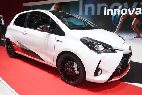 Toyota Yaris phien ban xe dua san xuat gioi han chi 400 chiec - Anh 3