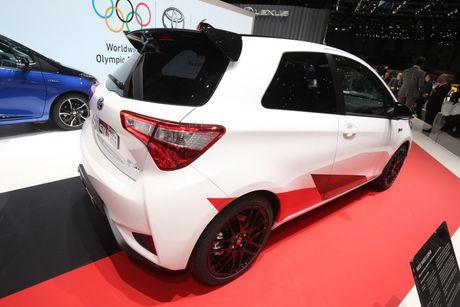 Toyota Yaris phien ban xe dua san xuat gioi han chi 400 chiec - Anh 4
